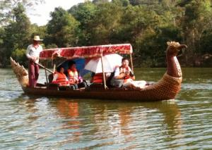 Boat Trip In Siem Reap - Angkor Thom Tour Packages