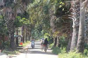 Cycling to koh dech